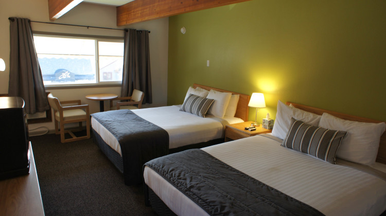 Updated modern motel room.  2 Queen beds with microwave, mini-fridge, cable TV, and free wi-fi